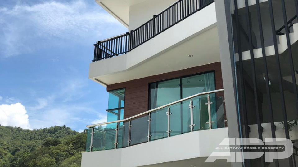 The Naithon Condominium 12